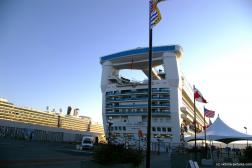 Star Princess cruise ship docked at Victoria.jpg
