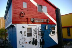 Diver's Den floating house  at Fisherman's Wharf in Victoria.jpg