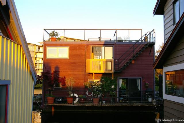 Brown floating home at the Victoria Fisherman's Wharf.jpg