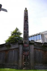 Totem pole at the totem pole park in Victoria.jpg