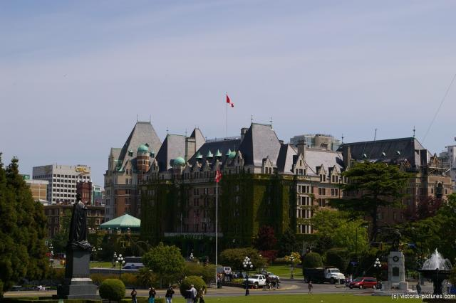The Empress Hotel as viewed from the Victoria Legislative Building plaza.jpg