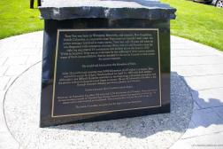 Terry Fox stor inscribed at the base of his statue at the Mile 0 Park in Victoria Canada.jpg