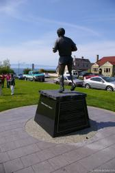 The back of the Terry Fox statue at Mile 0 Park in Victoria.jpg